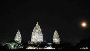 Prambanan Night By @alth34 300x172
