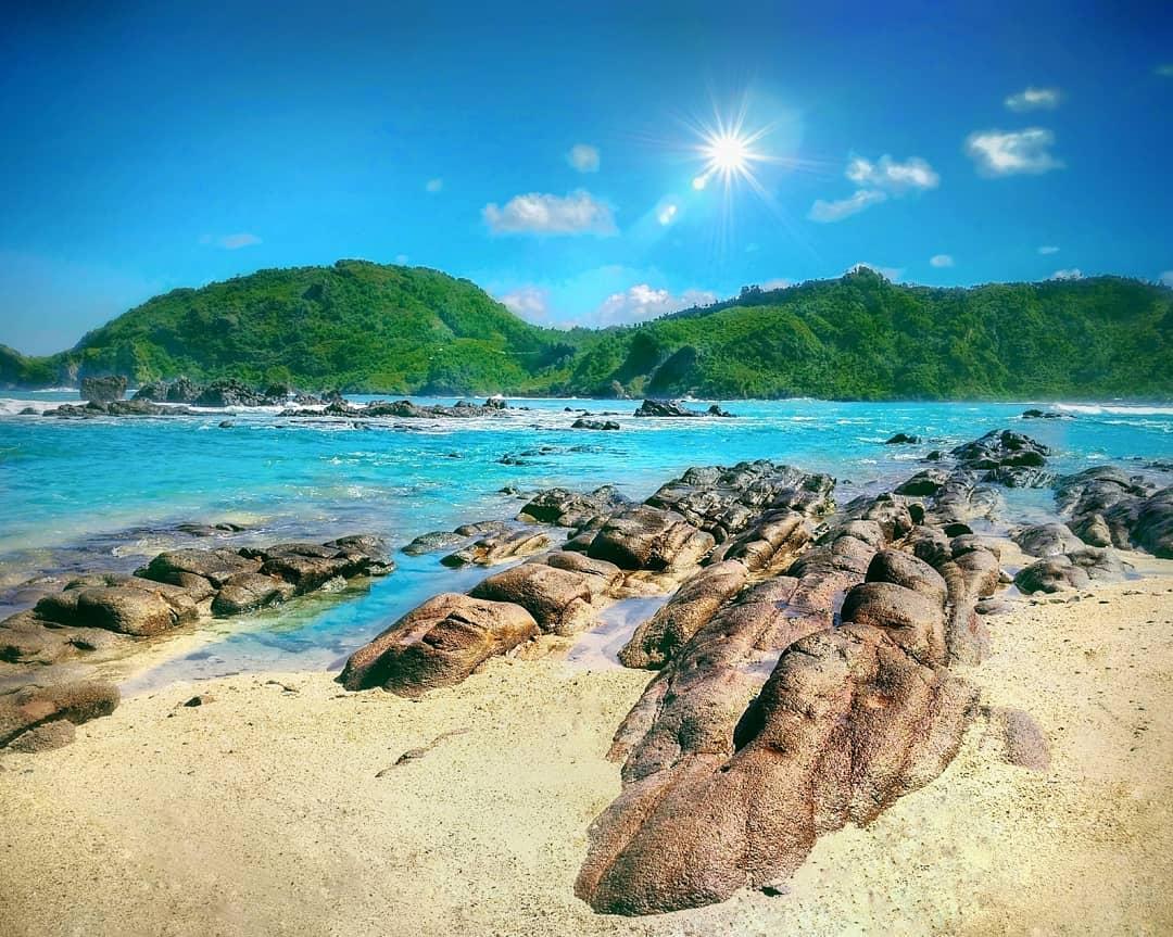 Pantai Wediombo Gunungkidul Jogja