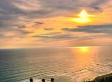 Syahdunya Sunset di Bukit Paralayang Watugupit Jogja
